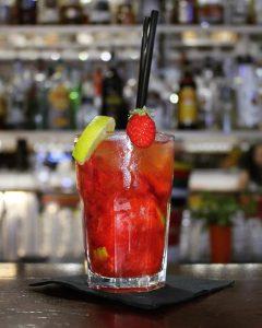 Quando non trovi le parole giuste offrile un buon cocktail, il resto viene da…